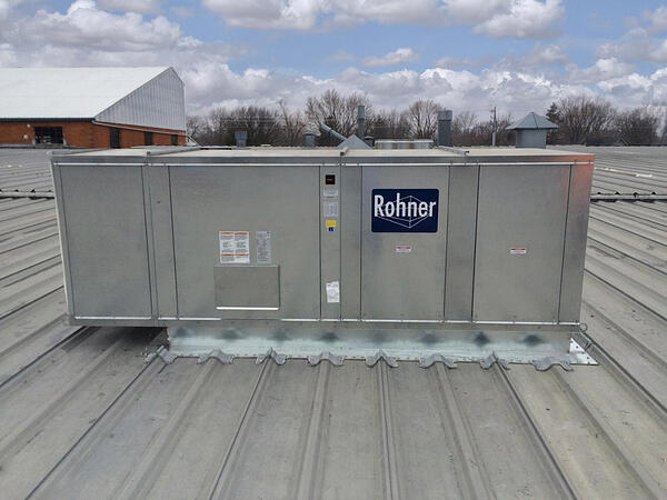 Rohner-air-makeup-unit-on-rooftop